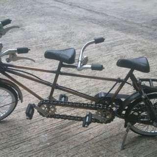 Basikal kembar miniatur