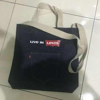 🚚 Levi's牛仔布包