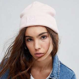 🚚 adidas embroidered pale pink logo beanie