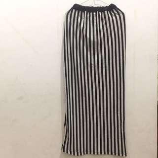 Rok Span Hitam Putih stripe
