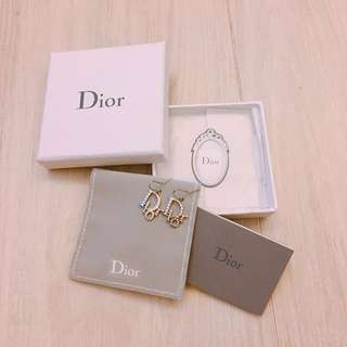 Dior earrings 100% new 全新有紙袋