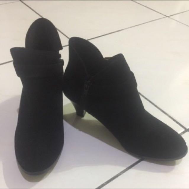 黑色短靴23.5