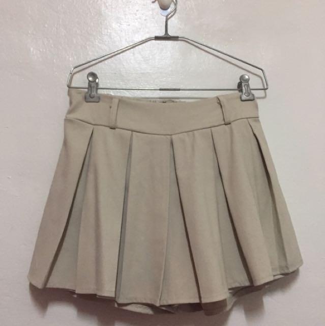 淺卡其褲裙