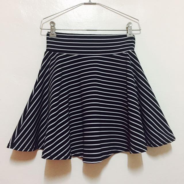 黑白條紋短裙