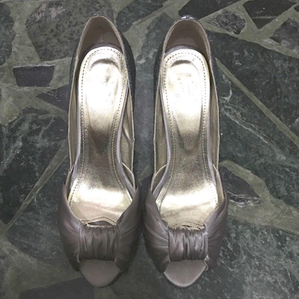 晚宴緞面質感名媛風的搶眼高跟鞋👠