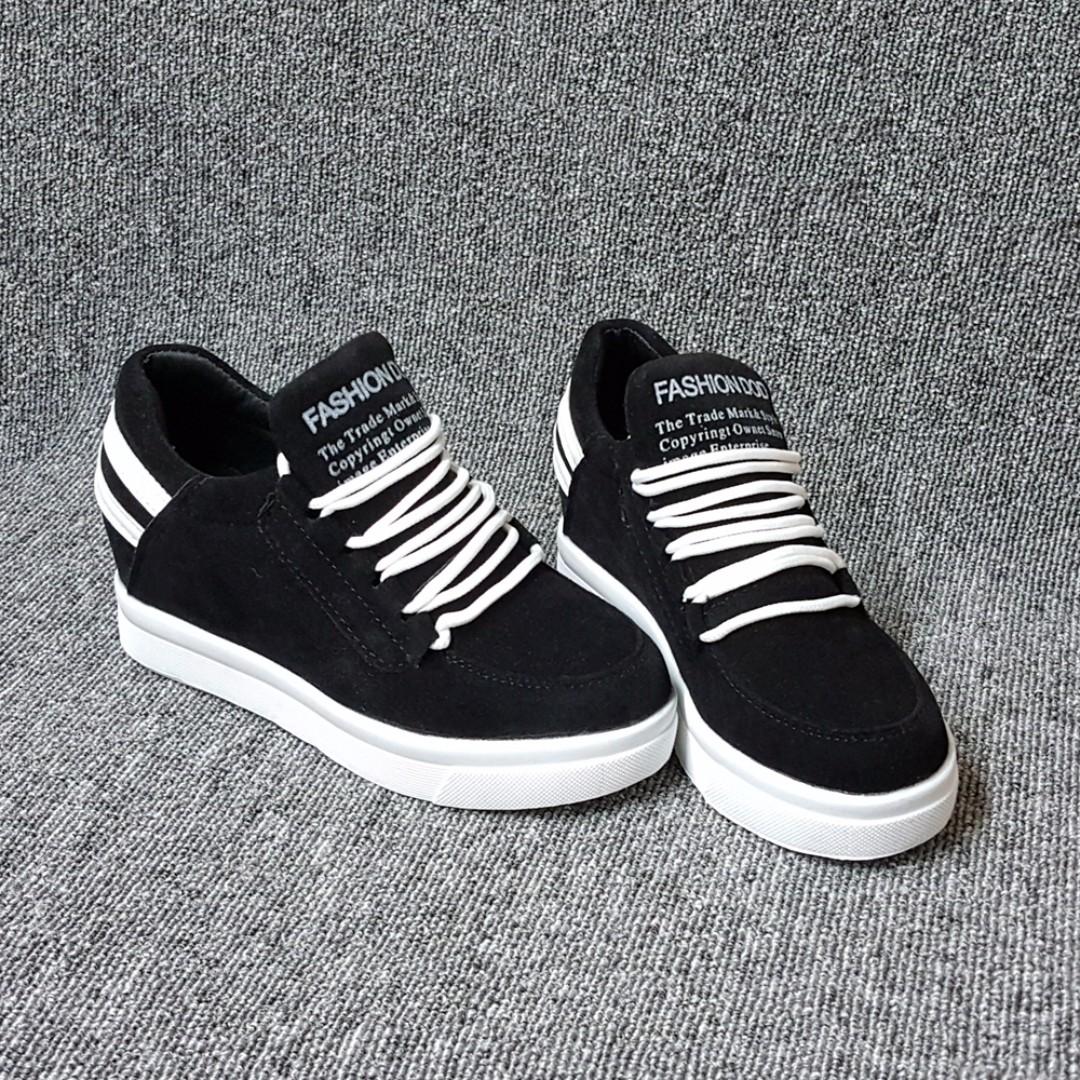 白色圓鞋帶潮流黑白厚底休閒鞋(內增高)