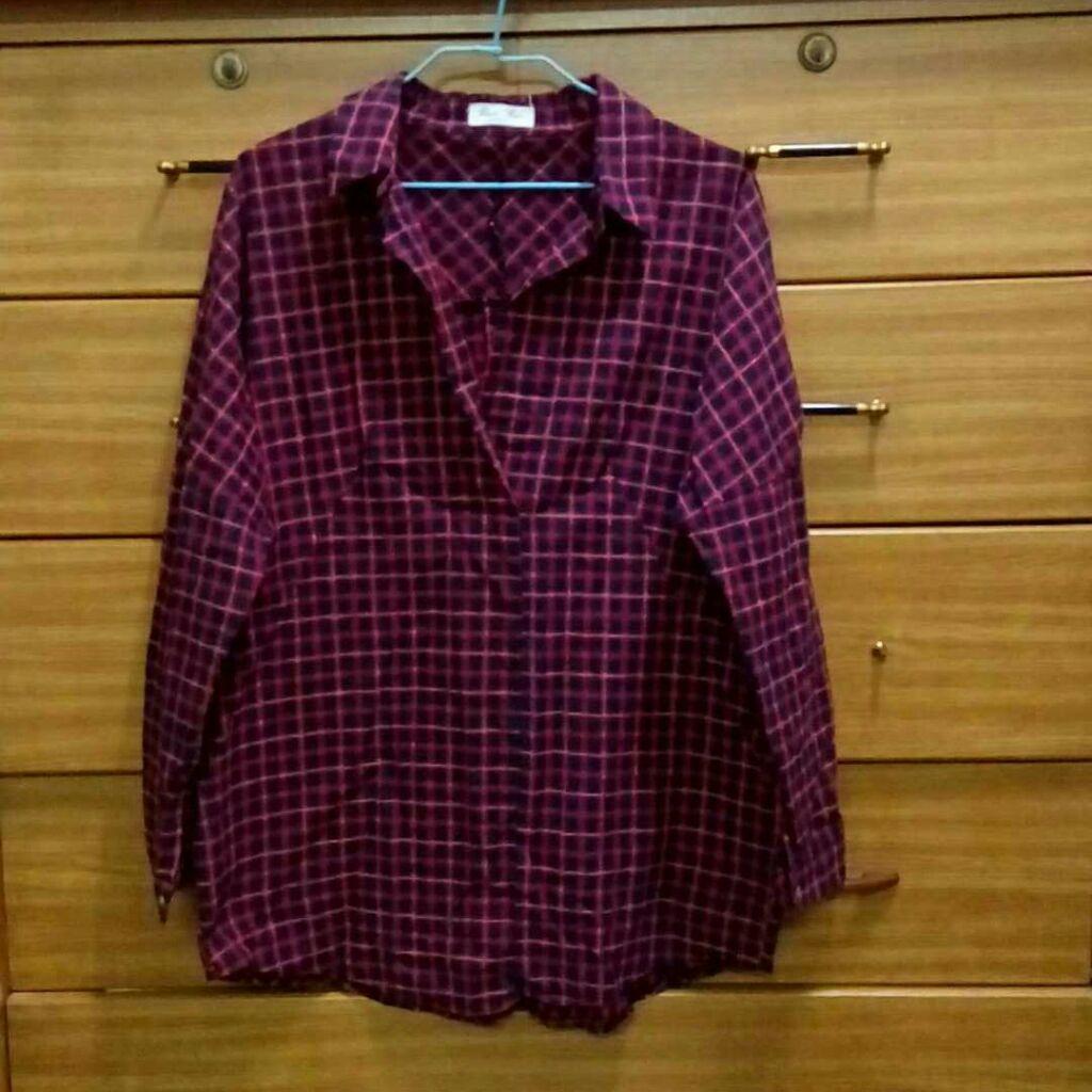 暗紅格子襯衫
