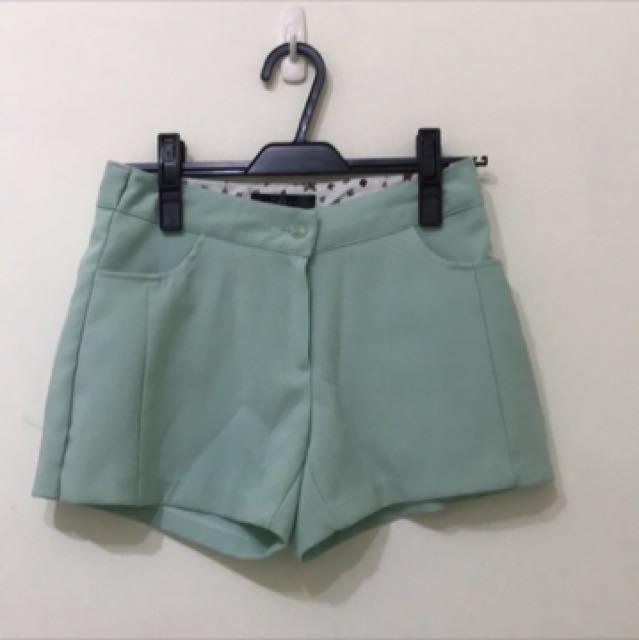 正韓 蘋果綠 短褲