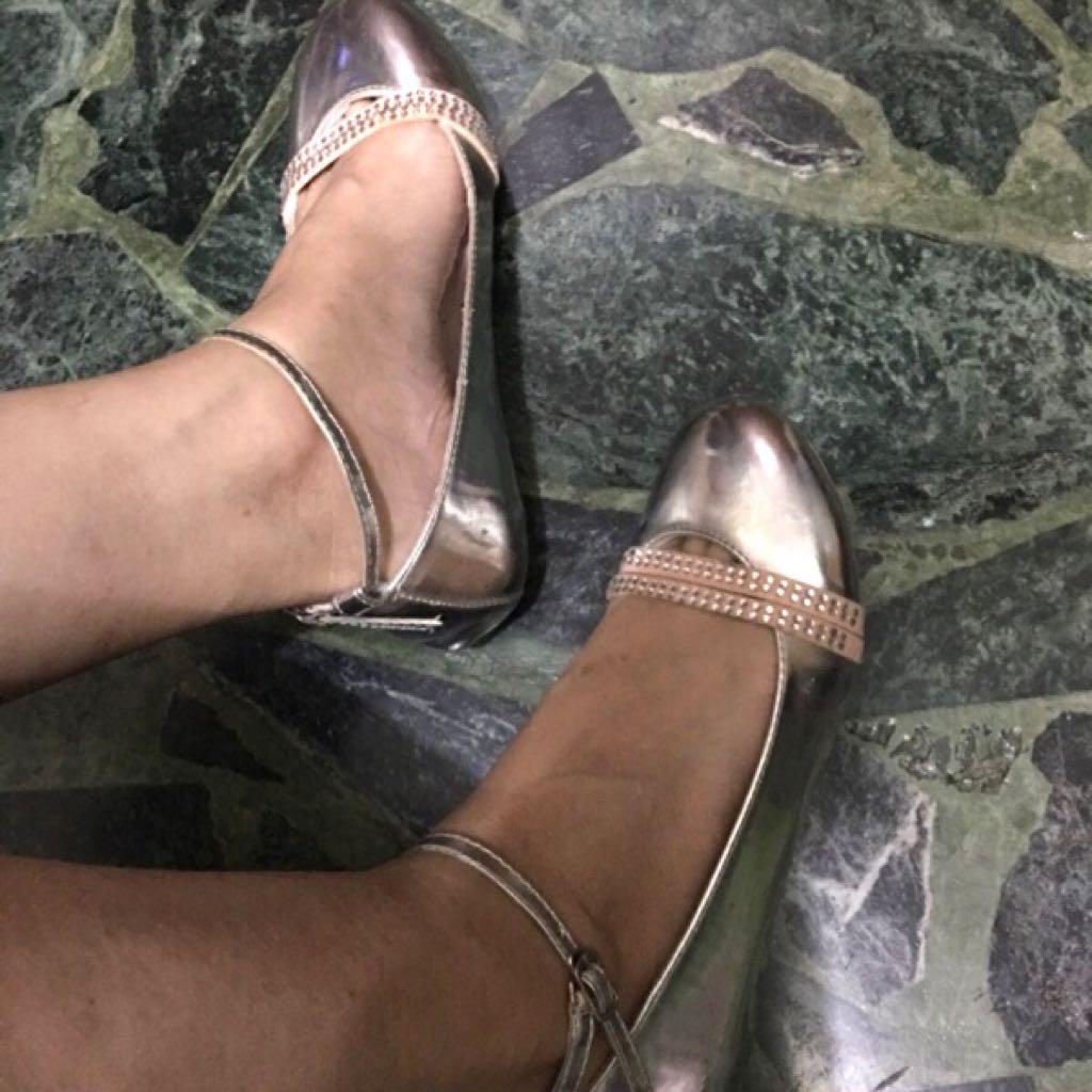 平底娃娃鞋 綁繩在腳踝 好搭裙子👗褲裝👖