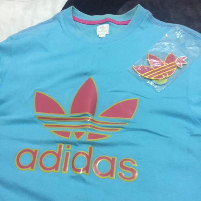 Adidas 淺藍色 底粉紅三葉 T