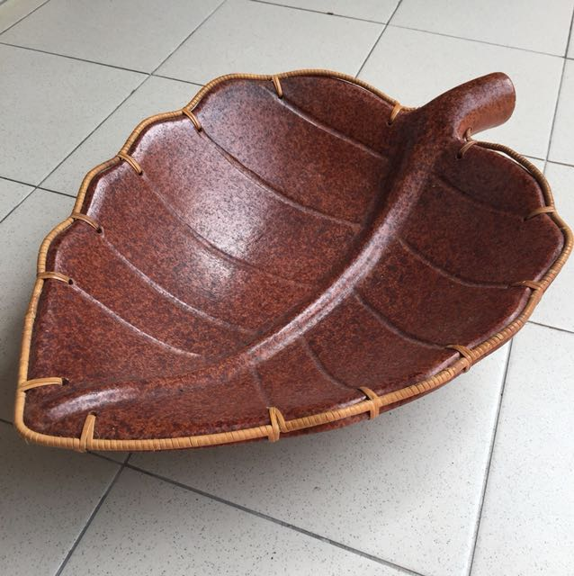 Artistic Leaf Clay Bowl with Weaving