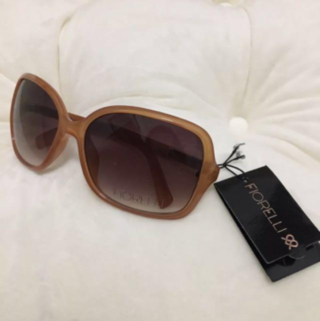 Brand new fiorelli lorelle caramel brown sunglasses free case