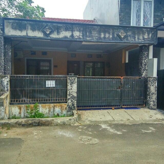 Dijual rumah di komplek arinda permai 1bintaro
