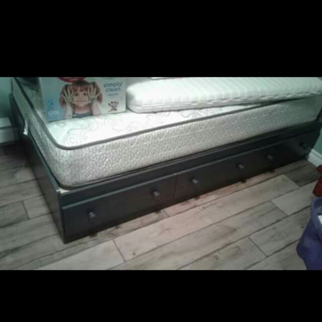 EUC  bed with 3 drawers.