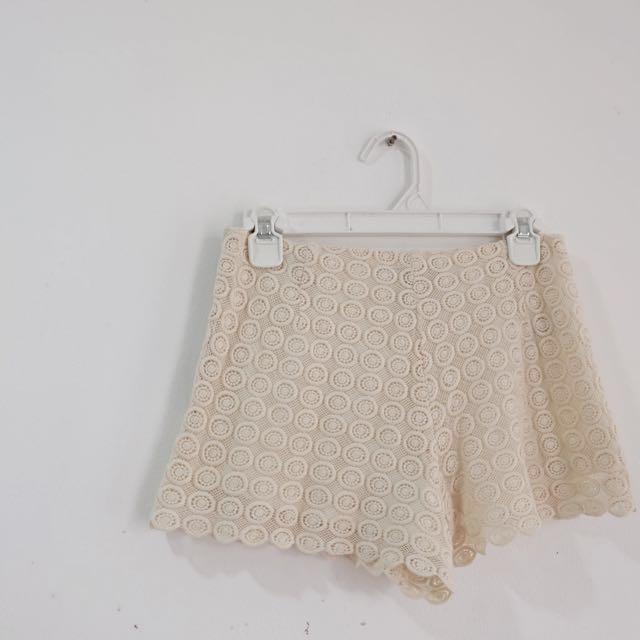 Forever 21 Crochette Short Pants