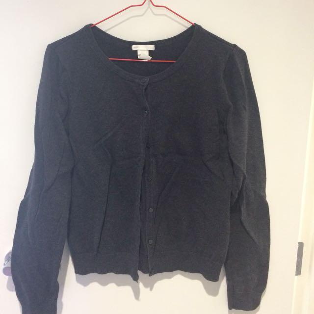 H&M sweater size M
