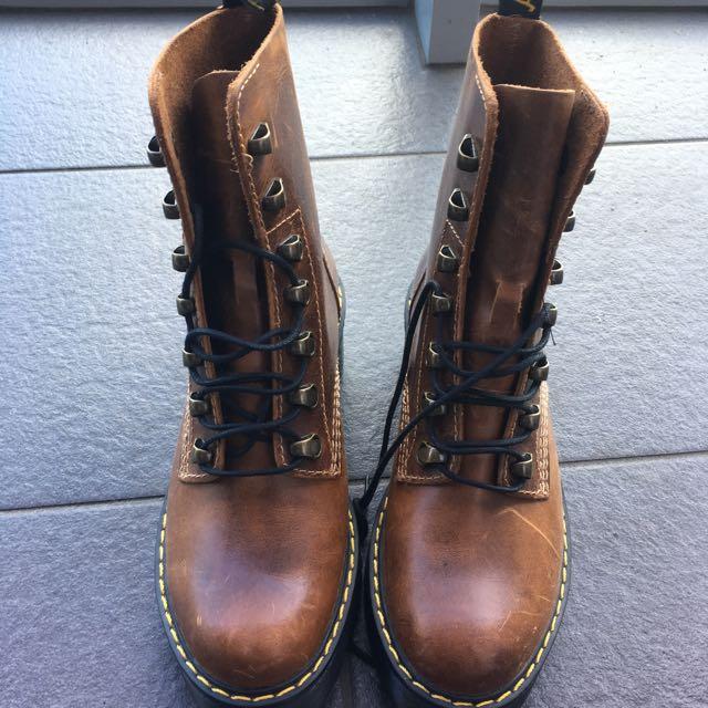 Leona Doc Marten Size 6