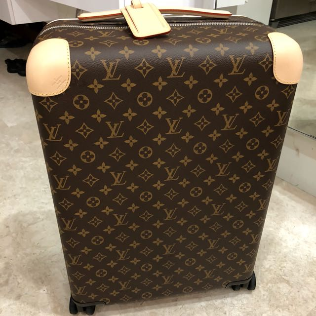 cd2de1f7b8e0 Louis Vuitton luggage used once