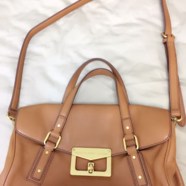 MARC BY MARC JACOBS牛皮包
