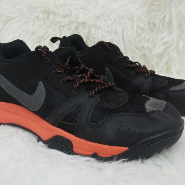 NIKE ACG Size 45 BLACK