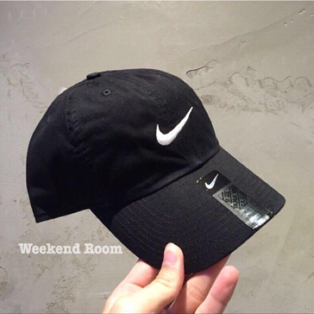 Nike Swoosh 單勾 電繡老帽 黑