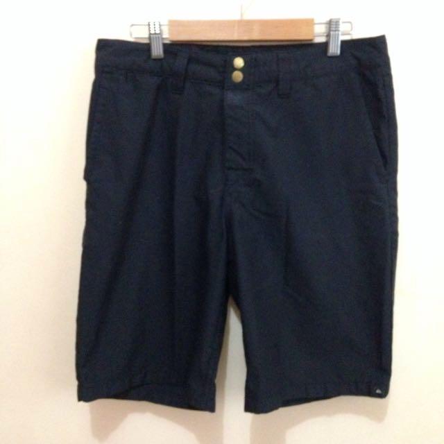 Quiksilver Shorts Size 31