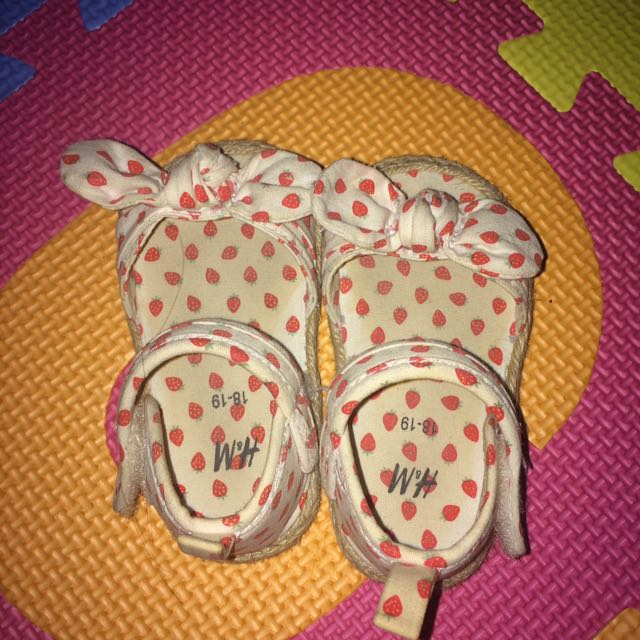 REPRICED! H&M baby cute shoes