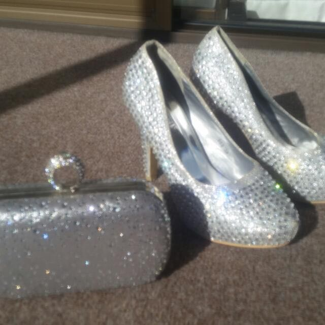 Rhinstone Silver Shoes And Evening Clutch