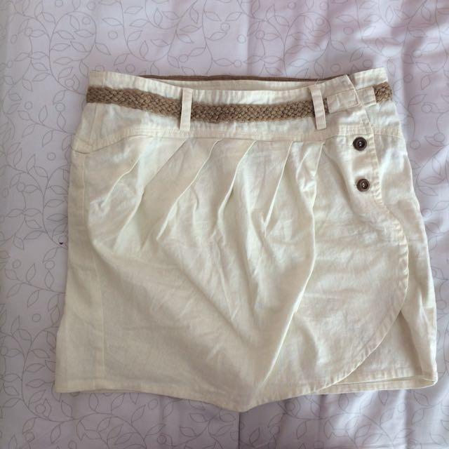Rok Putih / White Skirt