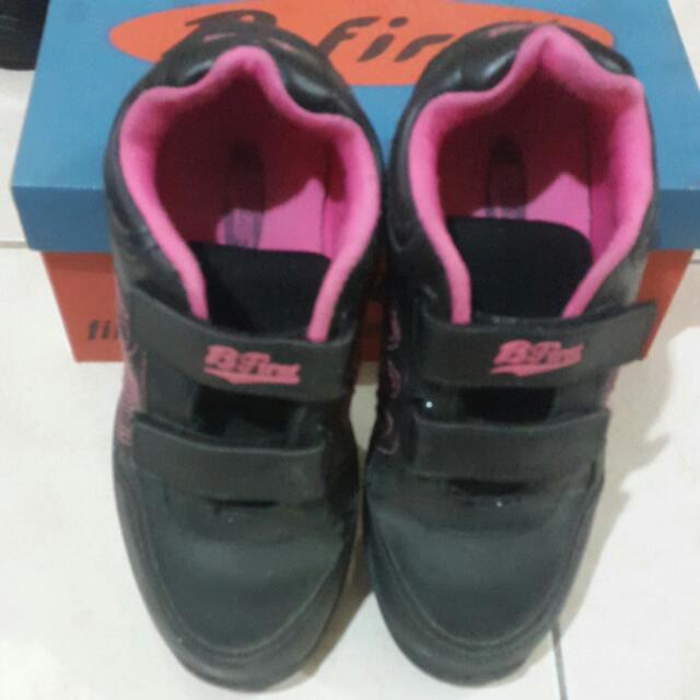 Sepatu Bata B First