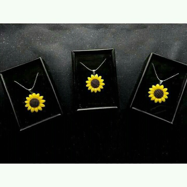 Sunflower Necklace 🌻
