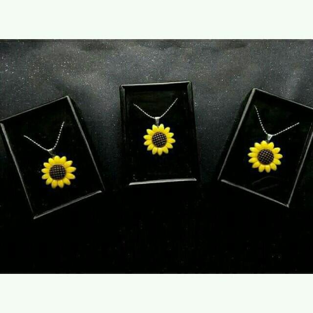 Sunflower Necklace 🌻💓
