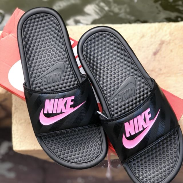 "e2131ba882ef Women s Nike Benassi "" Just Do It "" Sandals to let go!!"