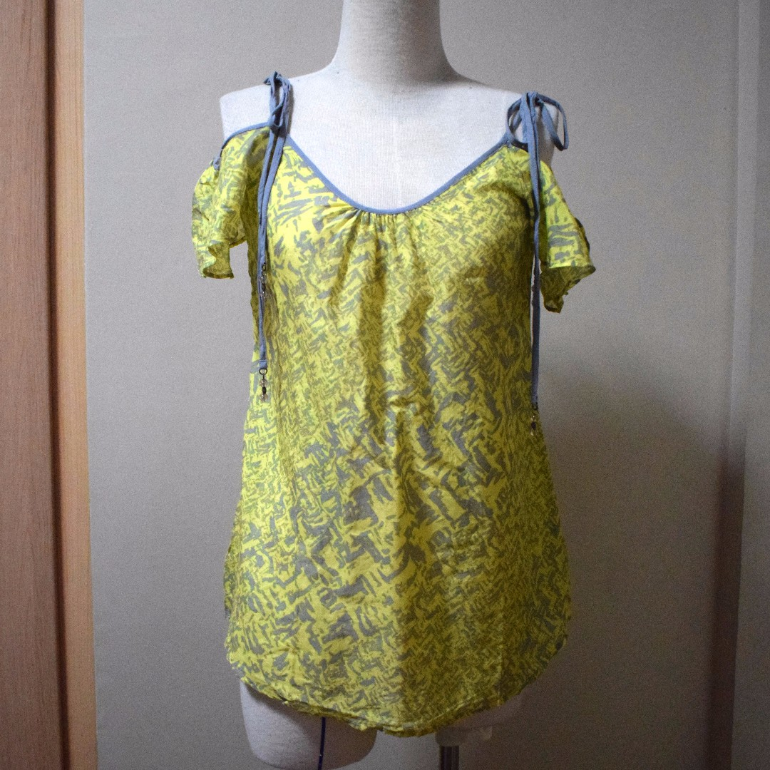 Yellow Print Off shoulder Blouse