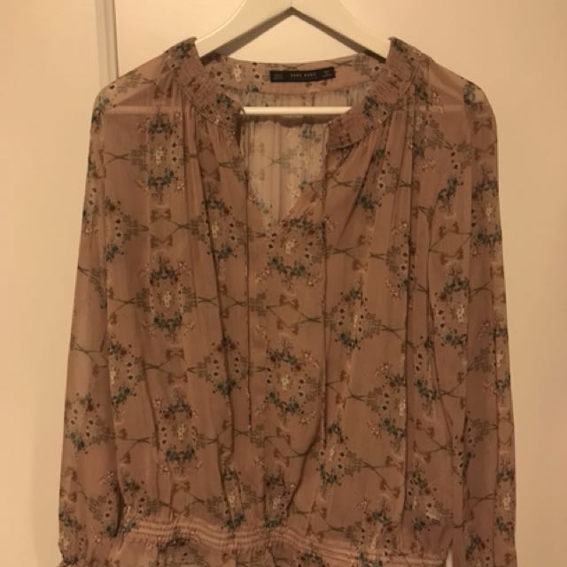 Zara top (xs) just removed the tag but never worn