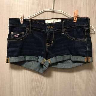 Hollister原色、深藍色牛仔短褲