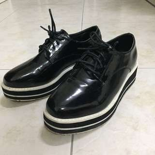 百搭亮面鬆糕鞋24號/韓國製