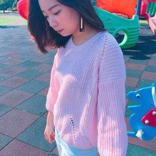 粉色編織毛衣
