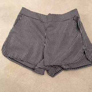 Brandy Melville Gingham shorts