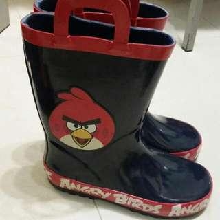 中童,雨鞋購自H&M33碼