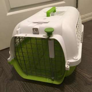 Portable plastic pet crate - small dogs up to 20lbs (dog it brand)