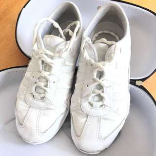 Nfinity cheerleading shoes - Evolution size 7.5