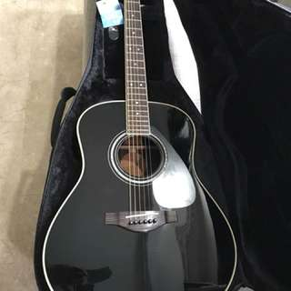 Yamaha LLX16 Electric/Acoustic Guitar