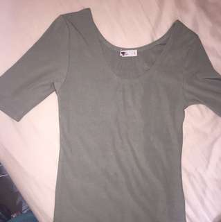 tempt size s mid sleeve top