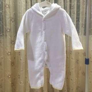 白色連身兔衣