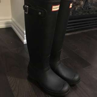 Black Matte Hunter Boots size 8
