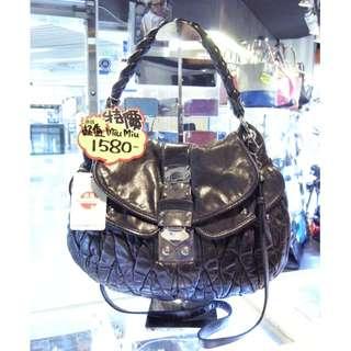 Miu Miu Black Leather Classic Coffer Shoulder Hand Bag MiuMiu 繆繆 黑色 真皮 皮革 經典款 手挽袋 手袋 肩袋 袋