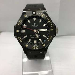 Limited Edition Hublot Gent's Black Ceramic & Titanium Big Bang King Automatic Divers Watch. Model number 312.CM.1120.RX. Individual Number 904623. With Box and Certificate