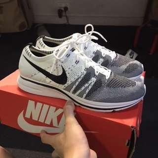 Nike flyknit trainer us10.5