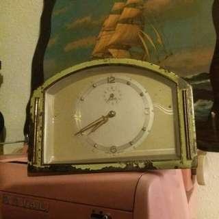 古老德制機械鐘